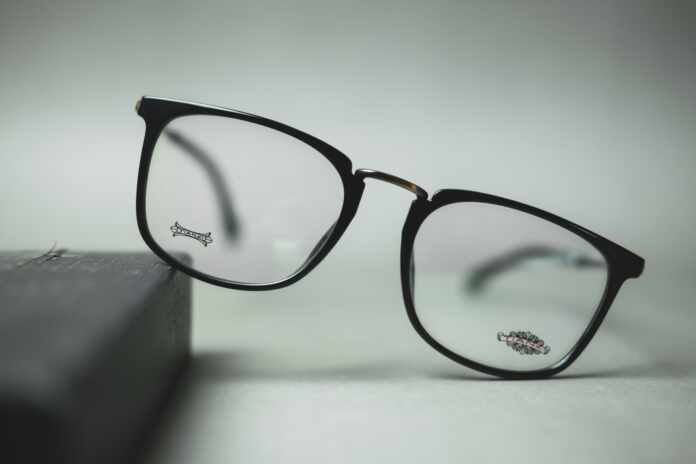 Main Signs You Need Glasses